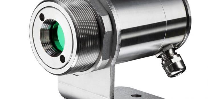 ir-thermometer-optris-cslaser-g5hf-with-mounting-bracket-730x350